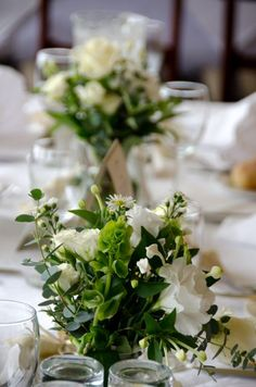 Weddings can be completed with the perfect table decoration