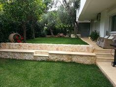 Διαμόρφωση κήπου σε δύο επίπεδα & δημιουργία διαδρόμου