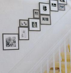 photos dans la montée de l'escalier