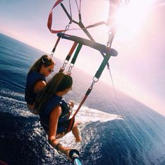 Parasailing with bff Bff Pics, Best Friend Pictures, Bff Pictures, Friend Pics, Friend Memes, Best Friend Goals, Best Friends, Friends Image, Summer Vibes