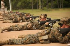 A Marine officer who led the service's only all-female recruit battalion was fired amid complaints of a toxic leadership environment — but her supporters say she was only trying to make the unit better by holding women to tougher standards. Us Marines, Female Marines, Female Soldier, Women Marines, Army Women, Marines Boot Camp, Drill Instructor, Parris Island, Military Love