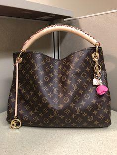 Louis Vuitton Handbags, Louis Vuitton Speedy Bag, Purses And Handbags, Louis Vuitton Monogram, Luxury Handbags, Tote Handbags, Gucci Dyonisus Bag, Organiser Son Dressing, Diy Handbag