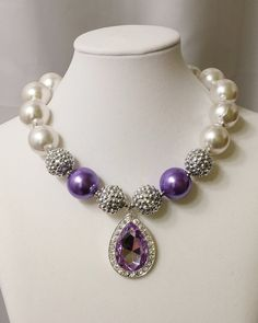 Princess chunky bubblegum necklace. www.facebook.com/divergentjewelrydesigns