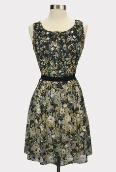 Gathered Floral Lace Dress | modern vintage style clothing, fashion tips and advice | Hourglass Boutique