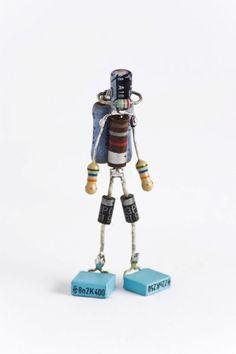 Sparebots Lenny and Meriel Lenfesteys 2 Metal Art Projects, Metal Crafts, Sculpture Metal, Arte Robot, Trash Art, Found Object Art, Scrap Metal Art, Computer Art, Metal Toys