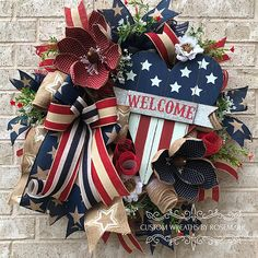 Wreaths make a great decoration for your home or as a gift for someone who appreciates and loves all things handmade by a designer. Custom Wreaths by Rosemarie helps you create beautiful, handmade wreaths for your home from Pearland, Texas. Fourth Of July Decor, 4th Of July Decorations, 4th Of July Wreath, July 4th, Wreath Crafts, Diy Wreath, Diy Crafts, Wreath Ideas, Door Wreaths