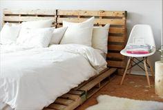 13 Inexpensive Wooden Pallet Bed Frame | 101 Pallets