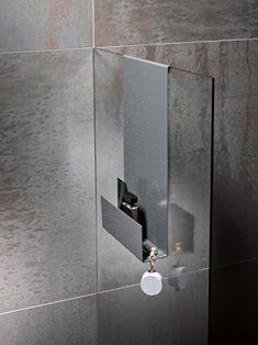 bathroom splashback KEUCO shower shelves - For the perfect blend between storage space and design Small Bathroom Shelves, Small Bathroom With Shower, Modern Master Bathroom, Shower Shelves, Bathroom Spa, Bathroom Storage, Shower Storage, Restroom Design, Bathroom Interior Design