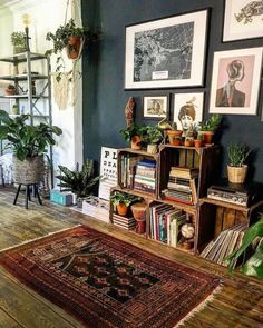 This eclectic and dark room has captured all our hearts this week and that& why . - This eclectic and dark room captured all our hearts this week and that& why …, - Boho Living Room, Living Room Decor, Bedroom Decor, Bohemian Living, Living Rooms, Crate Bookshelf, Low Bookshelves, Home And Deco, Eclectic Decor