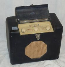 Vintage Radio Roberts portable (!) from the 50's - same as the one I've got