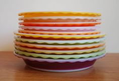 I love the scalloped edge of these vintage Crown (English) Pyrex pie plates, and the colors, too!