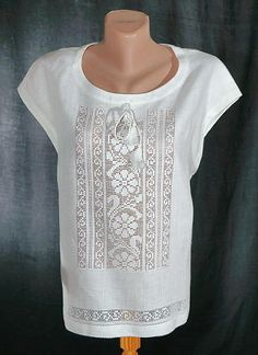 Crochet Blouse, Crochet Lace, Mexican Shirts, Drawn Thread, Folk Fashion, White Embroidery, Filet Crochet, Blouse Styles, Sewing Clothes