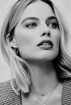 All The Times Margot Robbie Has Aced It On The Red Carpet – Celebrities Woman Atriz Margot Robbie, Margot Robbie Style, Margot Elise Robbie, Margo Robbie, Actress Margot Robbie, Margot Robbie Harley Quinn, Margot Robbie Photos, Most Beautiful Women, Beautiful People