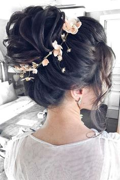 30 Awesome Wedding Bun Hairstyles 30 Wedding Bun Hairstyles ❤ Bun hairstyles are the most popular wedding hairdos. They are good for different hair length. Get inspired with our collection of wedding bun hairstyles. Wedding Bun Hairstyles, Hairdo Wedding, Up Hairstyles, Up Hairdos, Pretty Hairstyles, Updos, Medium Hair Styles, Curly Hair Styles, Bridal Hair Accessories