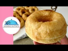 Efsane PAMUK PİŞİ Tarifi 4 malzeme Yağ Çekmez Hamur işleri #Masmavi3mutfakta - YouTube Mini Cheesecakes, Beignets, Bagel, Doughnut, Ham, Donuts, Food And Drink, Pizza, Bread