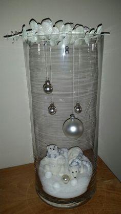 Hoge vaas met kerst decoratie