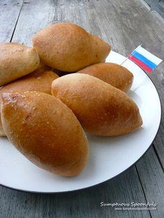 Russian Piroshki {Beef & Potato Filled Pockets}