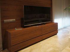 Mueble para televisión nogal. Decoración Alado