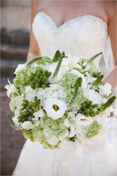 white and green wedding bouquet #bouquet #bride #weddingchicks http://www.weddingchicks.com/2014/04/02/navy-and-green-southern-wedding/