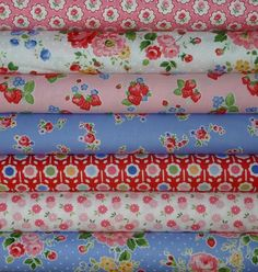I just love pretty florals! Lakehouse, Pam Kitty Morning