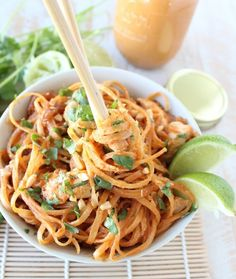 Homemade Thai peanut sauce is tossed with chicken and rice noodles in this quick and easy chicken stir fry recipe! Thai Chicken Stir Fry, Peanut Chicken Stir Fry, Peanut Sauce Noodles, Thai Peanut Sauce, Rice Noodles, Easy Chicken Recipes, Asian Recipes, Healthy Recipes, Ethnic Recipes