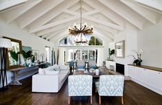 large-spaces-poolside-living-contemporary-seaside-home-12-casual-living.jpg