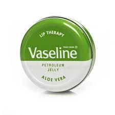 Shop lip care products at Wilko today. Explore a wide selection of great value lip balms, moisturisers, lip butter and more. Vaseline Petroleum Jelly, Vaseline Lip, Aloe Vera, Vaseline Beauty Tips, Beauty Hacks For Teens, Homemade Skin Care, Homemade Beauty, Moisturizer With Spf, Natural Beauty Tips