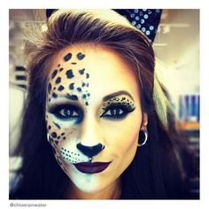 halloween cat makeup Would definitely do this! halloween cat makeup Would definitely do this! Chat Halloween, Looks Halloween, Halloween Costumes, Halloween Face Makeup, Halloween 2015, Cat Costumes, Leopard Halloween Makeup, Bricolage Halloween, Halloween Rave