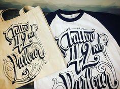 Hoy recibimos estas chulisimas camisetas y bolsas hechas por @selvaprint y diseño de @feroddone ! Muchas gracias chicos!! Estamos felices con el resultado!!!