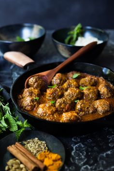 Meatballs with Indian Curry Sauce- a simple easy dinner that is full of flavor! Gluten-free, keto and Paleo!Lamb Meatballs with Indian Curry Sauce- a simple easy dinner that is full of flavor! Gluten-free, keto and Paleo! Indian Food Recipes, Whole Food Recipes, Cooking Recipes, Healthy Recipes, Indian Snacks, Indian Appetizers, Greek Recipes, Curry Sauce Recipe Indian, Paleo Dinner