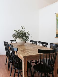 Dining Room Update + Cozy Minimalism : Dining room with black Windsor chairs Dining Room Design, Dining Area, Kitchen Dining, Ikea Dining Table, Dining Chair Set, Table And Chairs, Black Dining Room Chairs, Black Kitchen Chairs, Black Chairs