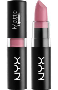 Der hochpigmentierte NYX Matte Lipstick Tea Rose 11 begeistert mit satter und…