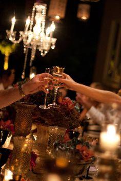 A black tie affair. Christmas Entertaining, Holiday Parties, Holiday Decor, Holiday Fun, Bon Weekend, Mystery, Enchanted Evening, Black Tie Affair, In Vino Veritas