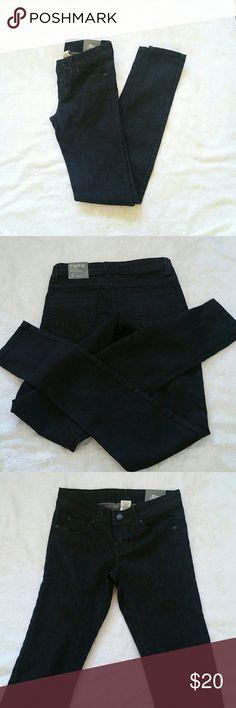 "NWT Blue Asphalt black denim jeggings Comfortable black denim. There are no rips or. Pockets in the front and back.   Measurements: Waist = 24"" Inseam = 30.5"" Rise = 6.5"" Blue Asphalt Jeans Skinny"