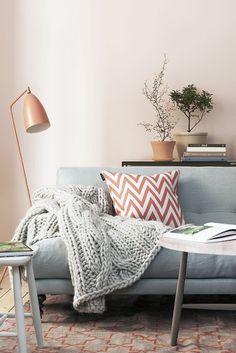 Inspiration Living room, grey sofa, kelim, carpet, Gubi Grasshopper, zig zag pillow, Rosenhof