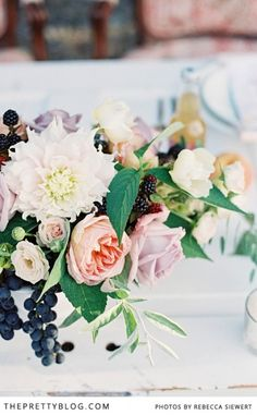 Soft peach & purple table flowers | Photographer: Rebecca Siewert, Flowers: A New Leaf Floral