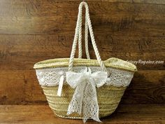Hessian Bags, Lace Bag, Creative Bag, Diy Sac, Straw Handbags, Decorated Shoes, Creation Couture, Basket Bag, Summer Bags