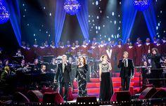 14 lustres brilhantes forneceram uma experiencia atmosférica maravilhosa no concerto Proms. Concerts, Transitional Chandeliers, Wedding Decoration, Events
