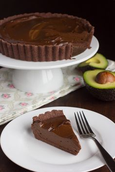 Chocolate Avocado Mousse Tart | The Viet Vegan | Creamy, decadent and rich, not too sweet and with enough chocolate goodness to end a meal on a wonderfully note.