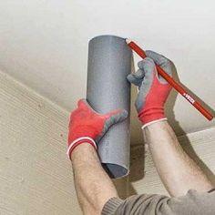 Dessiner les contours du tuyau d'évacuation au plafond. Mousse Expansive, Tube Pvc, Contours, Construction, House Design, Outdoor Decor, Tech, Mechanical Ventilation, Tv Wall Decor
