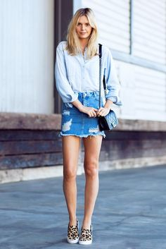 perfect lazy girl outfit: chambray shirt + ripped denim mini skirt + leopard sneakers