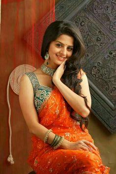 Vedika in Saree Beautiful Girl In India, Beautiful Girl Image, Beautiful Saree, Beautiful Women, Cute Beauty, Beauty Full Girl, Beauty Women, Beautiful Bollywood Actress, Most Beautiful Indian Actress
