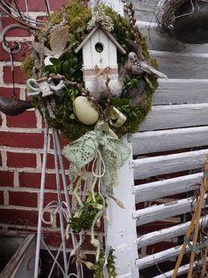 Türkränze - Frühlingsgrün trifft Weidenkätzchen - ein Designerstück von LandLebensArt bei DaWanda