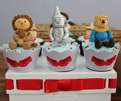 Lion, Tin Man & Scarecrow Cupcakes