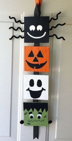 Your place to buy and sell all things handmade Halloween Door Decoration: Halloween Wood Crafts, Halloween Wood Signs, Halloween Canvas, Halloween Door Decorations, Halloween Painting, Theme Halloween, Outdoor Halloween, Holidays Halloween, Fall Crafts