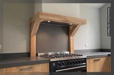 Eiken keukenschouw met pilaren Kitchen Appliances, Home Decor, Dressing, Diy Kitchen Appliances, Home Appliances, Decoration Home, Room Decor, Kitchen Gadgets, Home Interior Design
