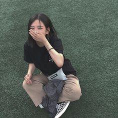 cute girl ulzzang 얼짱 pretty kawaii adorable beautiful hot fit korean japanese asian soft aesthetic 女 女の子 g e o r g i a n a : 人 Ulzzang Girl Fashion, Style Ulzzang, Ulzzang Korean Girl, Korean Girl Fashion, Cute Korean Girl, Asian Girl, Ulzzang Hair, Ulzzang Couple, Uzzlang Girl