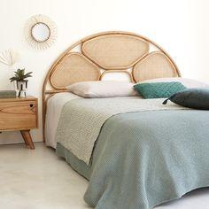 #salon #salleamanger #salledebain #deco #décointérieure #authentique #decointerieure #interiordecoration #livingroom #indoor #mobilier #mobilierindoor #interiorfurniture #woodfurniture #meublebois #bdbd #boisdessusboisdessous #mobilieravivresansmoderation #contemporain #meubleborddemer #boheme #mobilierboheme Boho Chic, Diy Bed, Home Decor Inspiration, My Room, Bed Frame, Sweet Home, Art Deco, New Homes, Interior Design