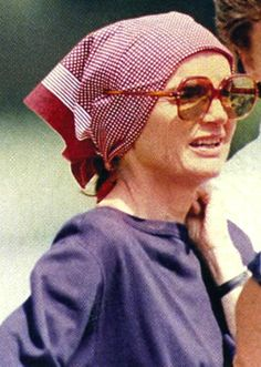 "The Jackie Essentials: Big Sunglasses ♡✿♡❁♡✾♡✽♡  Jacqueline Kennedy Onassis, (née Jacqueline Lee ""Jackie"" Bouvier; July 28, 1929 – May 19, 1994), was the wife of the 35th President of the United States, John F. Kennedy, and First Lady of the United States during his presidency from 1961 until his assassination in 1963        http://en.wikipedia.org/wiki/Jacqueline_Kennedy_Onassis"