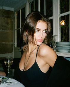 Shop Sexy Trending Bra Set – Chic Me offers the best women's fashion Bra Set deals Foto Casual, Kaia Gerber, Insta Photo Ideas, Celebs, Celebrities, Aesthetic Girl, Film Photography, Hair Inspo, Pretty People